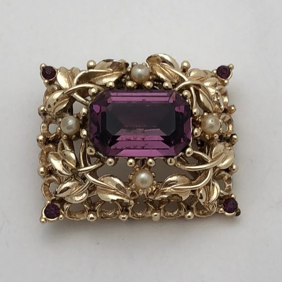 7a4a7b7880c9f Vintage Coro Amethyst and Pearl Pin Brooch